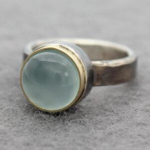 geoxideerd zilveren ring met chalcedoon