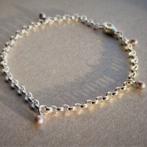 zilveren armband met grijze zoetwaterparels